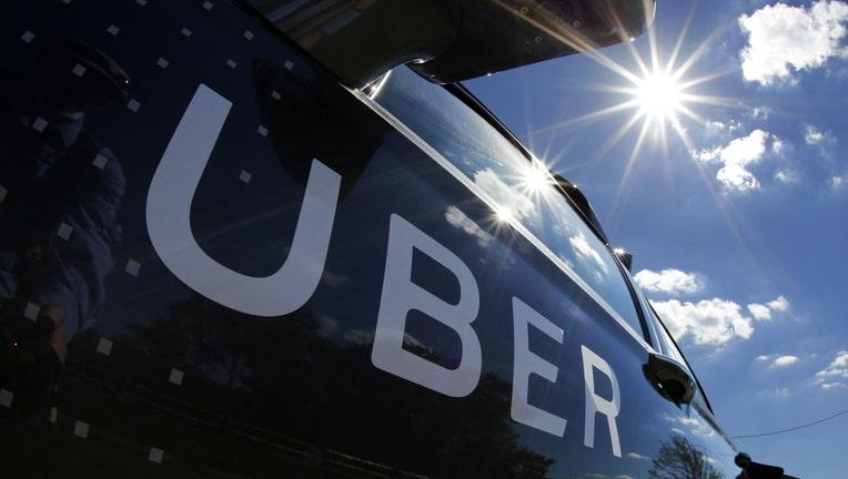 1 of Uber's self-driving vehicles hits, kills pedestrian in Arizona