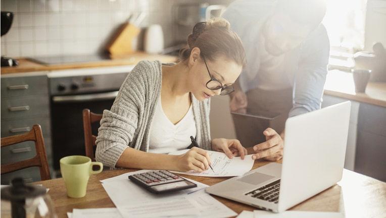3 Habits Debt-Free Consumers Practice
