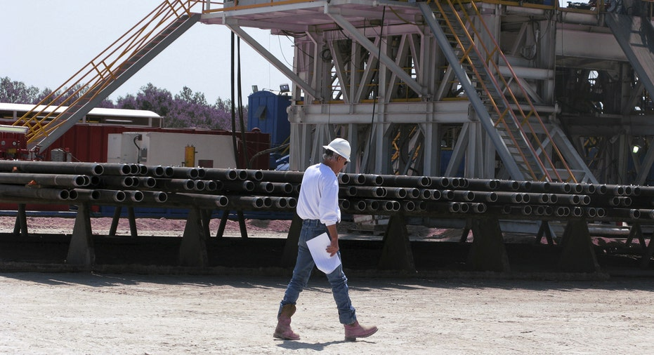 Chesapeake Energy worker, shale oil natural gas FBN