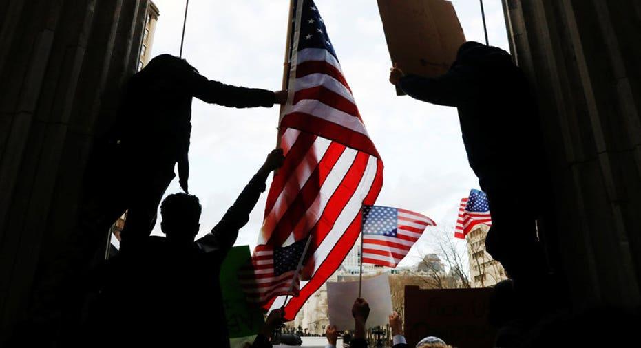 USA-TRUMP-IMMIGRATION-BODEGAS