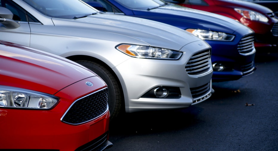 Ford Fusion cars on dealer lot FBN