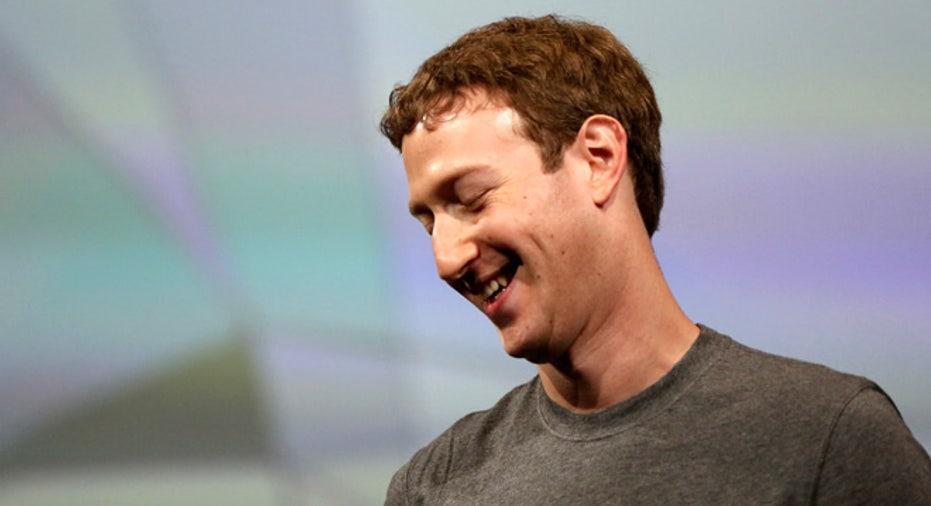 Facebook CEO Mark Zuckerberg, Mark Zuckerberg, fb