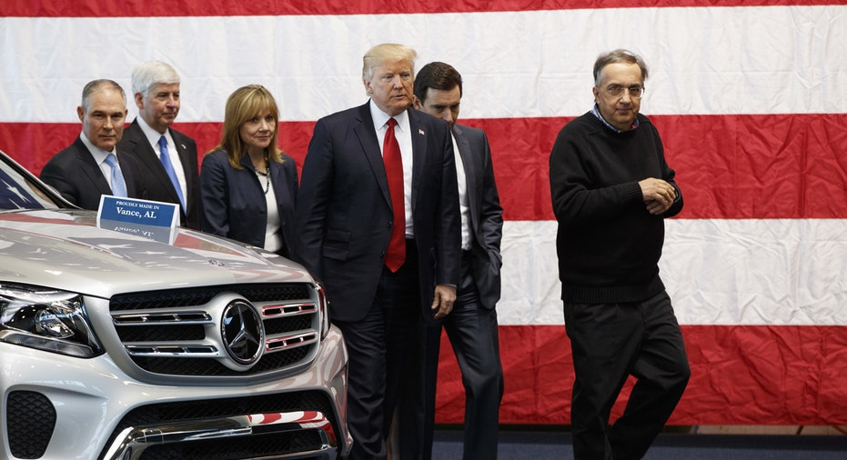 Dondal Trump GM Ford Chrysler CEOs FBN