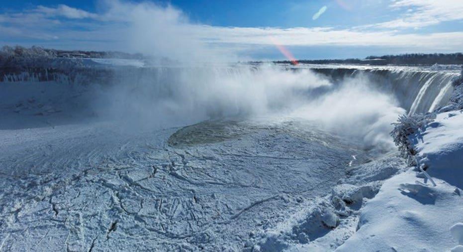 Niagara Falls Jan17  REUTERS/Aaron Lynett