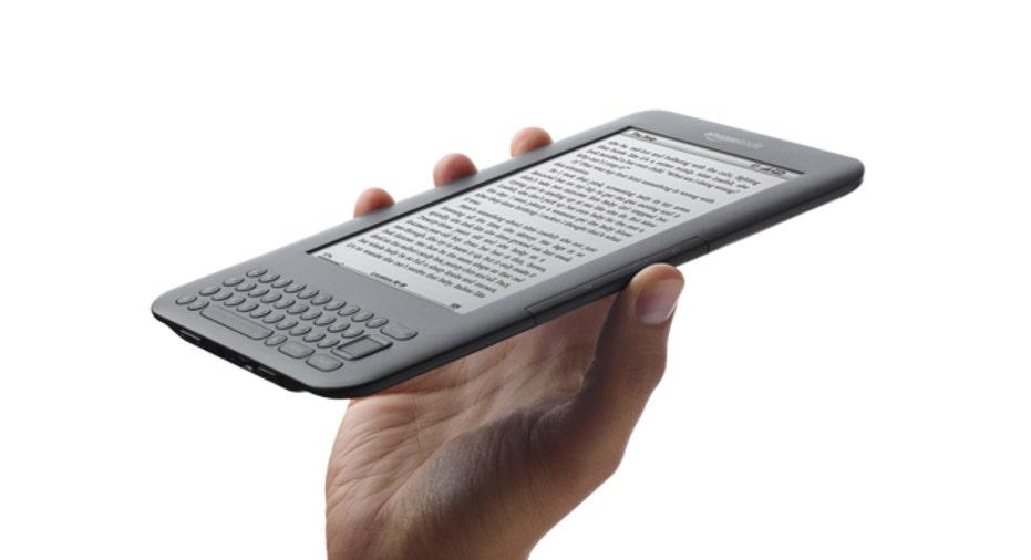 Amazon Kindle 3rd Gen in Hand