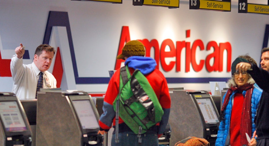 American_Airlines_Counter_at_Logan_Airport