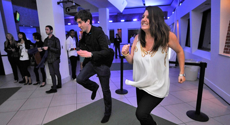 E3 Guests Try Out Xbox Kinect