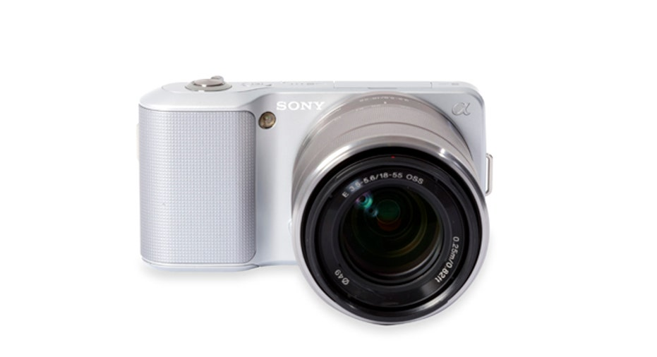 Sony NEX-3 Digital Camera with 18-55mm Lens