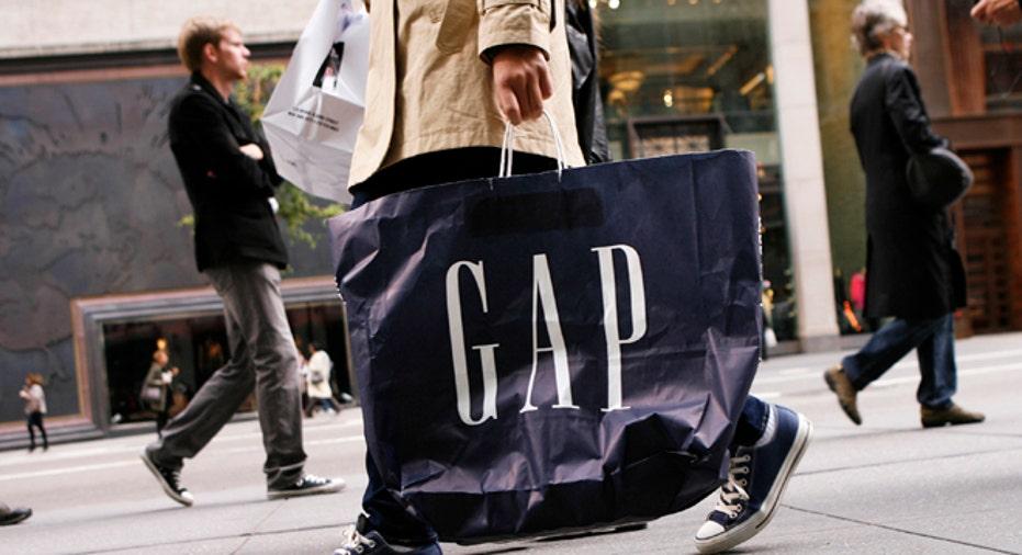 Gap_ShoppingBag_Reuters