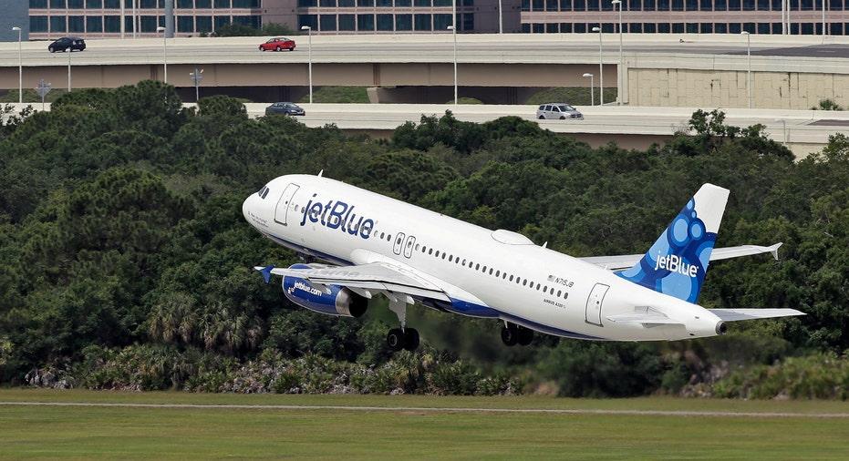 JetBlue Airbus Takeoff AP FBN