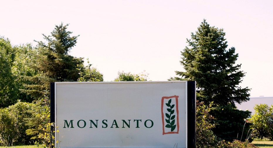 Monsanto Logo RTR FBN