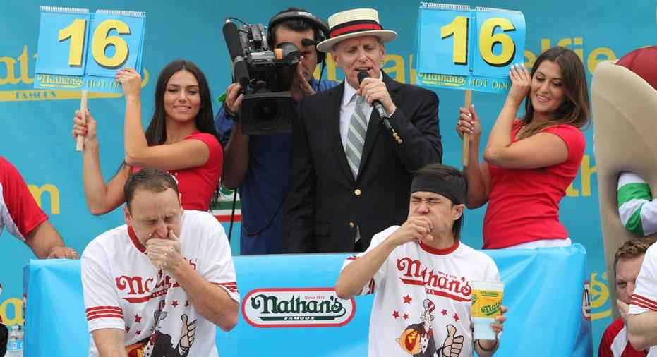 Big Bucks For Nathan S Hot Dog Eating Contest Winners Fox