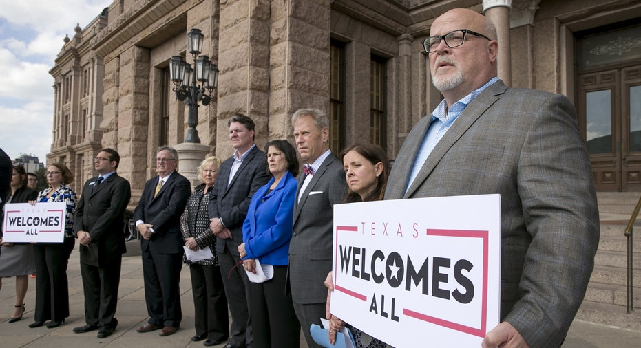 Nba Weighs In On Texas Bathroom Bill Amid Nfl Governor Clash