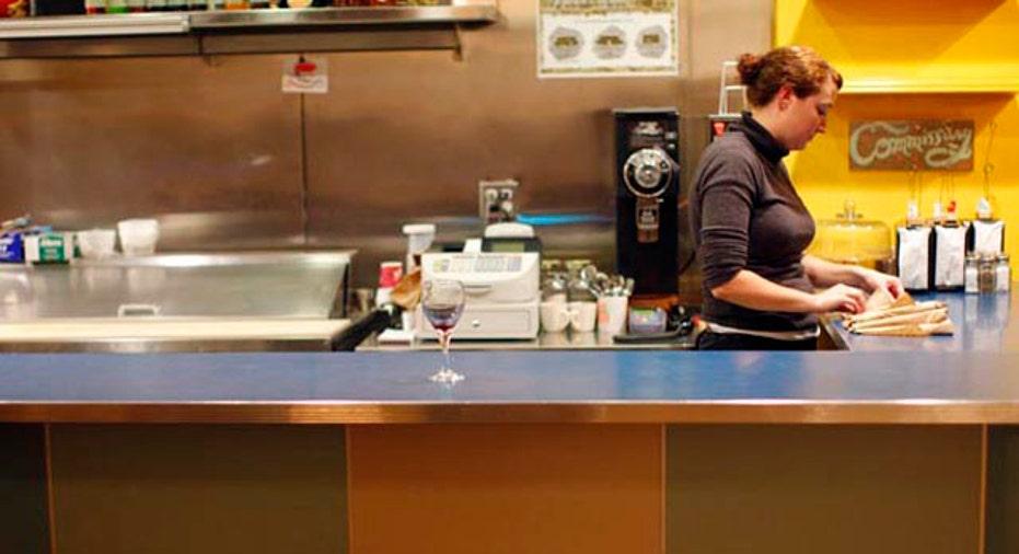 Waitress, 640x360