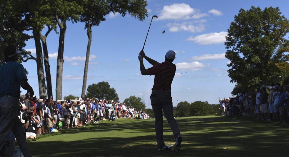 Jordan Spieth teeing off, New Jersey golf course