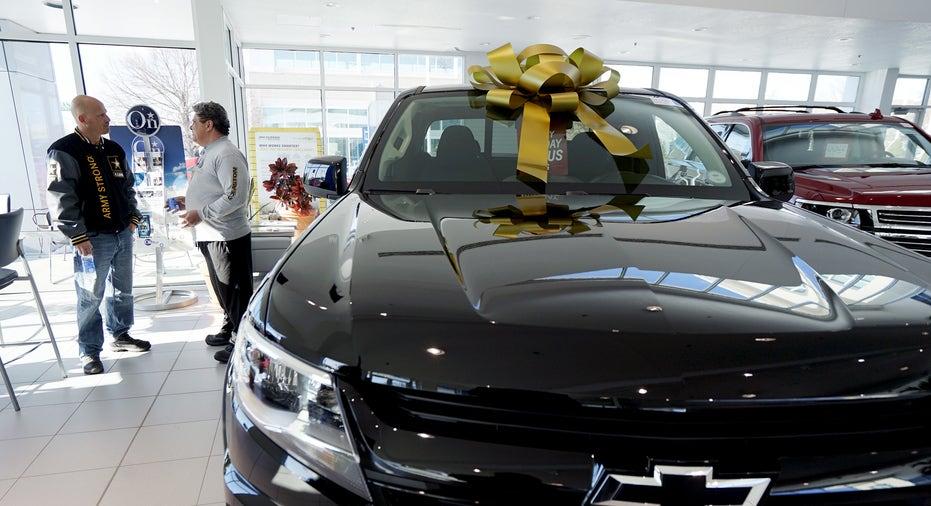 Chevrolet Colorado in showroom GM FBN