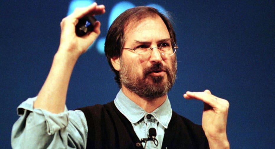 Steve Jobs talks during a presentation, 1997, Reuters