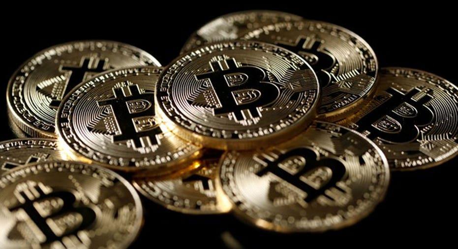 Bitcoin   REUTERS/Benoit Tessier/Illustration/File Photo