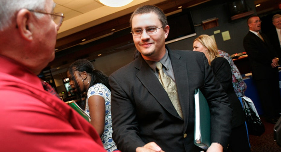 Job_Fair_College_Grad_Interview_Networking