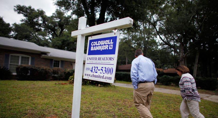 Real Estate Homebuyer & Sign
