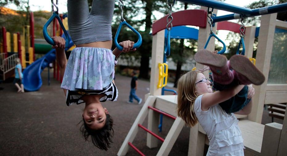 Kids_playing_a_park_FBN