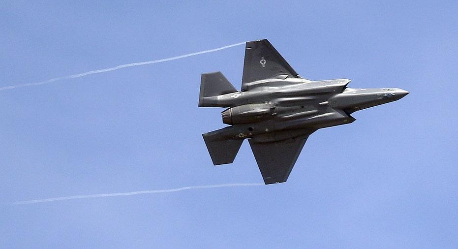 Lockheed Martin F-35 flying FBN AP