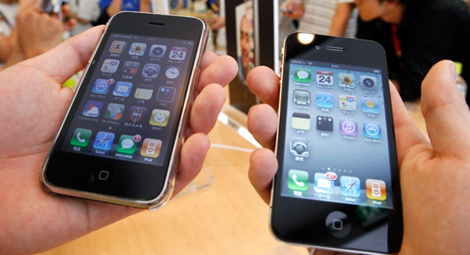 iPhone 4 and Older Model Side-by-Side