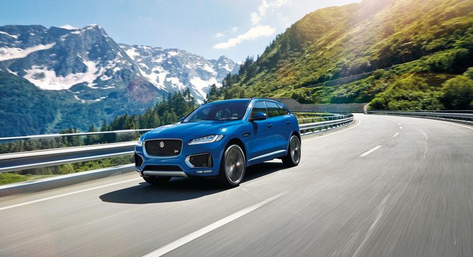 Jaguar F-Pace mountain road FBN
