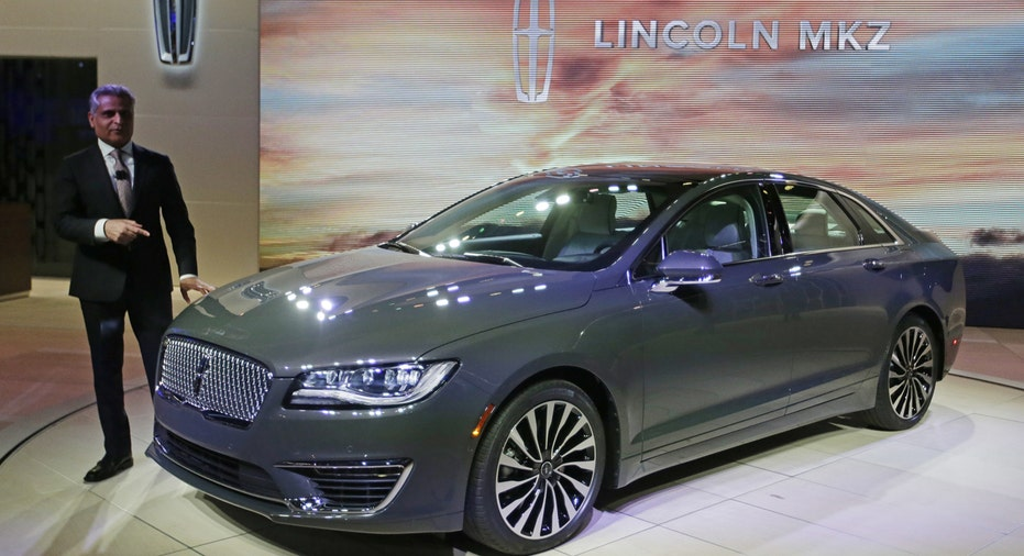 2017 Lincoln MKZ, Ford