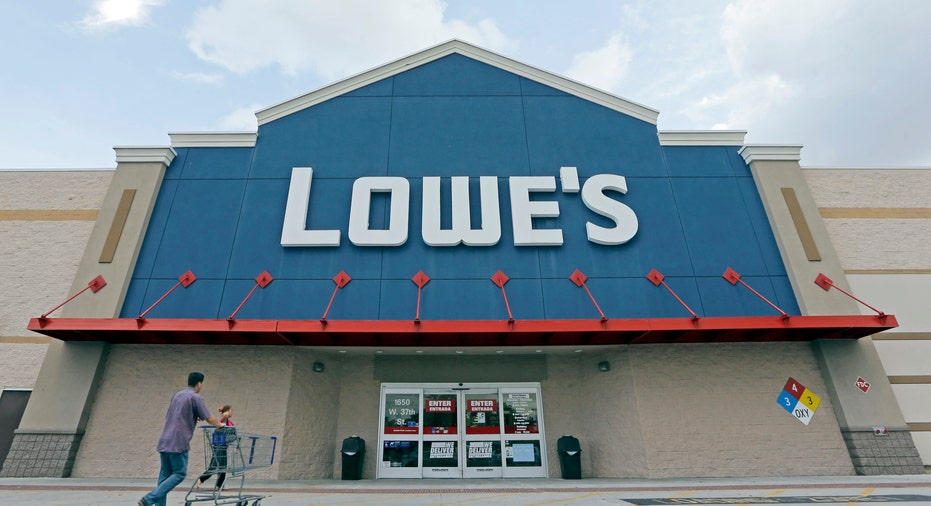 Lowe's store and customer FBN
