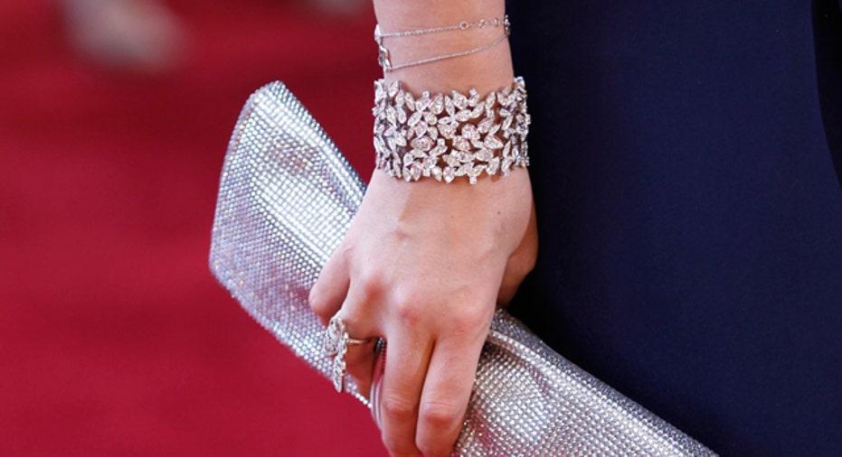 Purse & Jewelry, Reuters