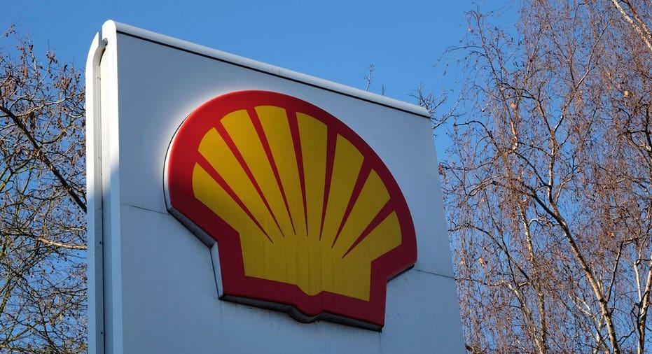 Royal Dutch Shell, Shell gas station logo on sign FBN AP