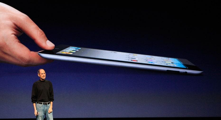 Steve Jobs with iPad 2