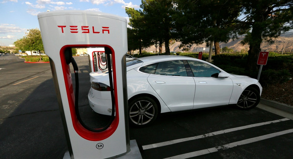 Tesla, Tesla charging station