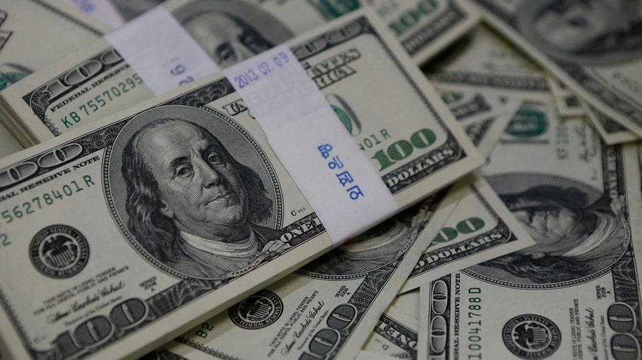 Hundred Dollar Bills RT FBN