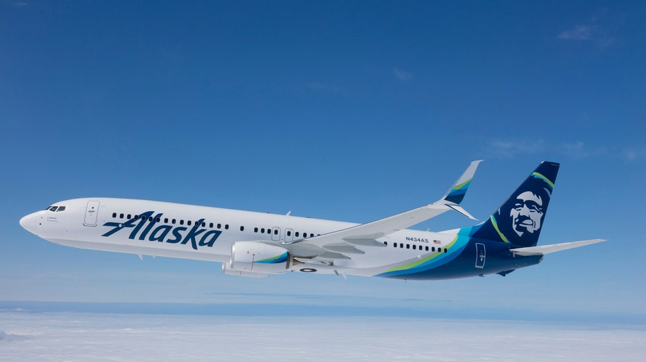 Alaska Airlines 737 FBN
