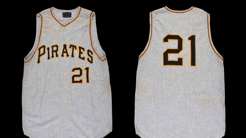 Roberto Clemente jersey auction FBN