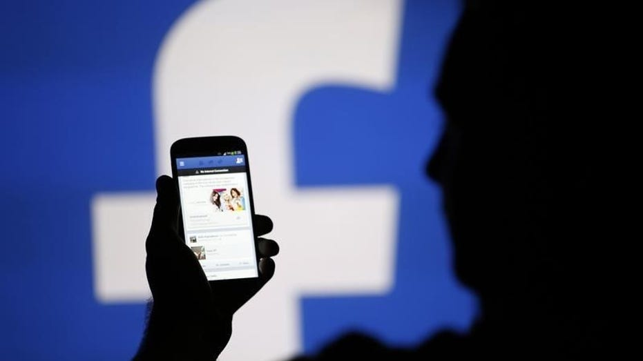 Facebook offers paying users for their voice recordings