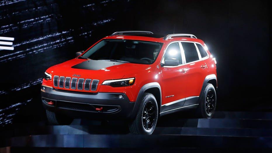 2019 Jeep Cherokee, Detroit auto show AP FBN