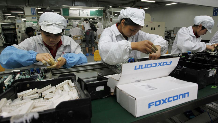 Foxconn: Deliveries to factories have started again