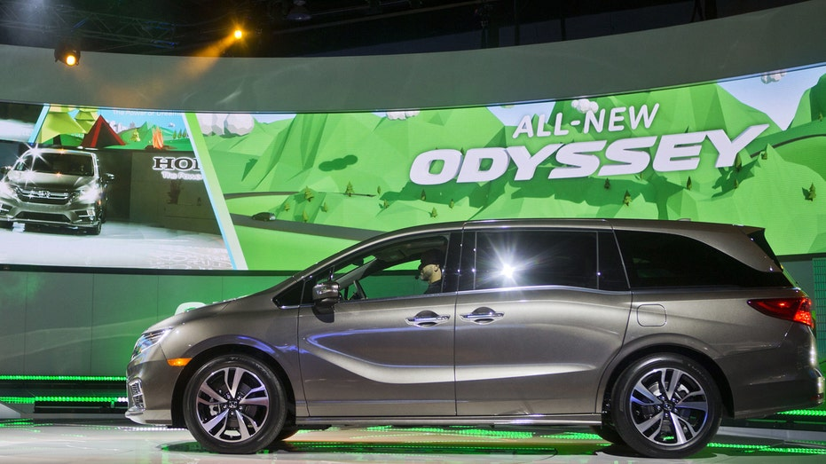 Honda Odyssey 2017 Detroit auto show FBN