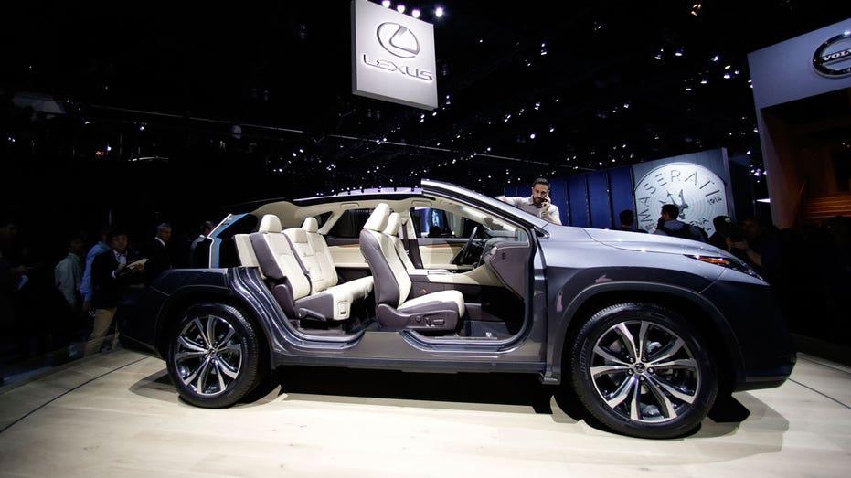 LA Auto Show Lexus RX 350L AP FBN