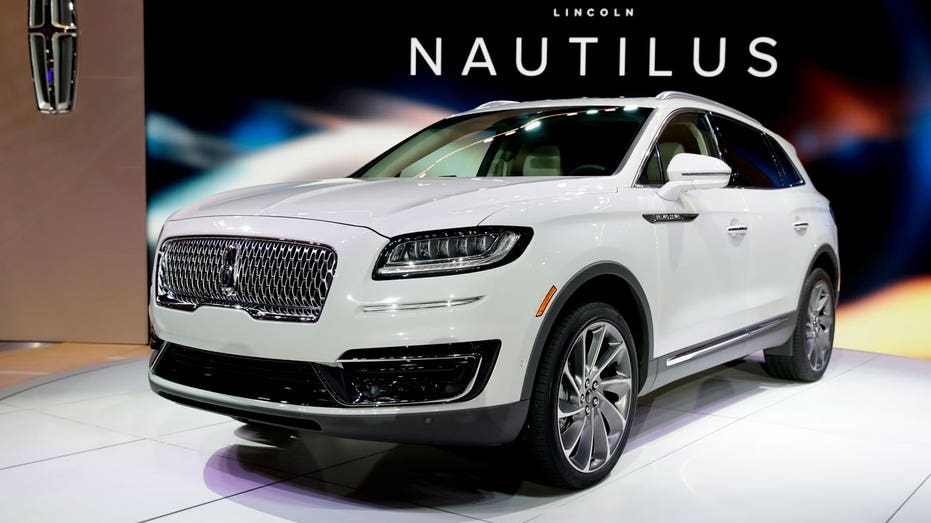 LA Auto Show Lincoln Nautilus AP FBN