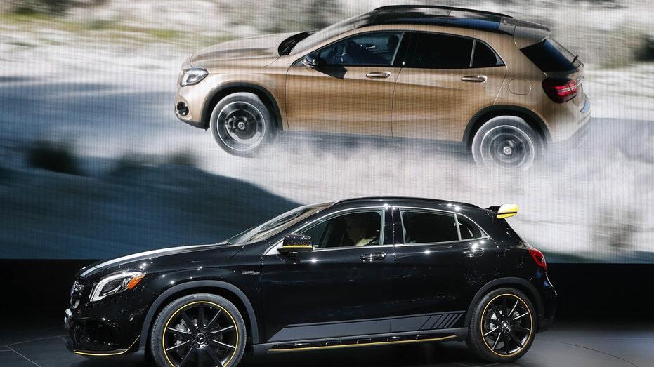 Mercedes-Benz GLA 2017 Detroit auto show FBN