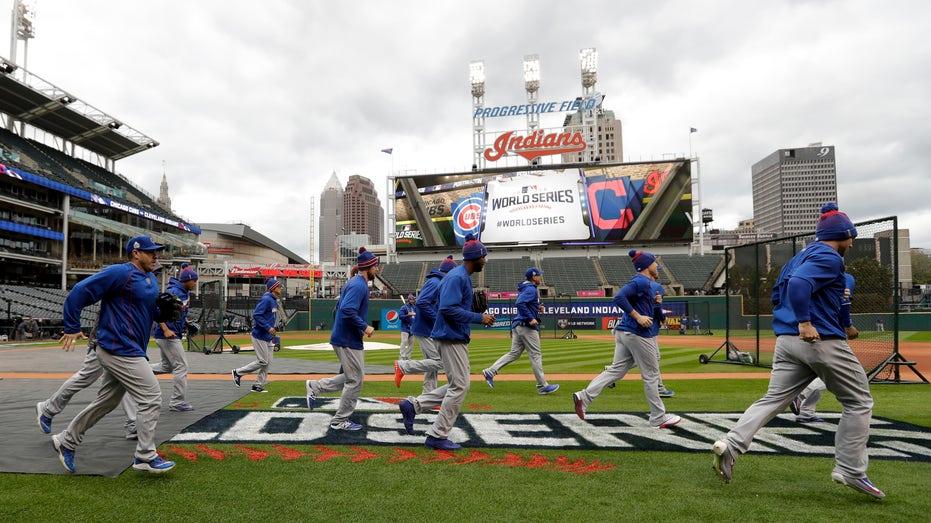 2016 World Series Cubs workout FBN