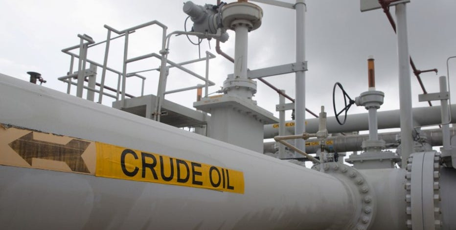 Oil up for week on Libya woes, falling United States  supply