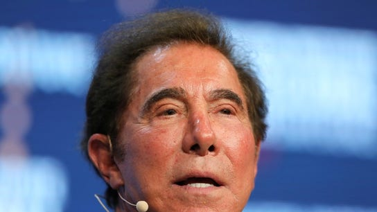 Steve Wynn slashes stake in Wynn Resorts
