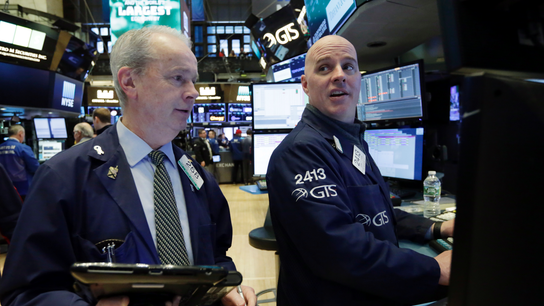 US stocks inch higher as banks and industrial companies rise