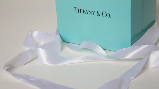 Doubts about Tiffany overshadow strong profits, sales in 4Q