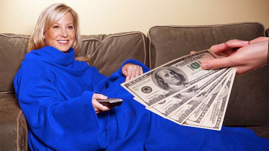 Snuggie buyers take comfort: FTC mailing out $7.2M in ad scam refunds